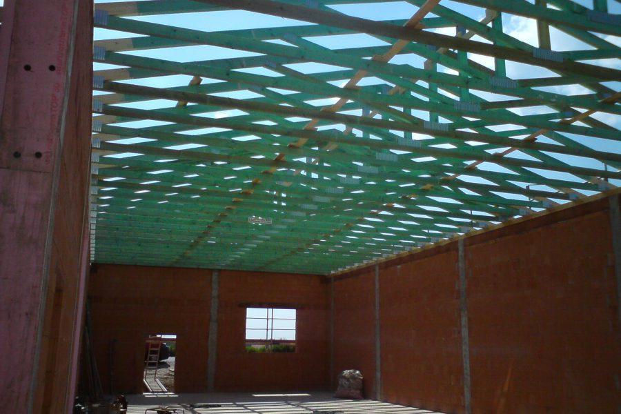 Gewerbliche Halle mit Nagelplattenbinder