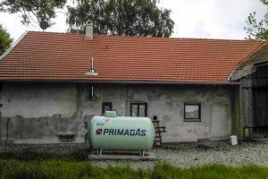 Wohn- und Geschäftshaus, Umdeckung und energetische Sanierung