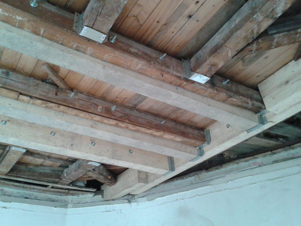 Holz Decke nach Sanierung